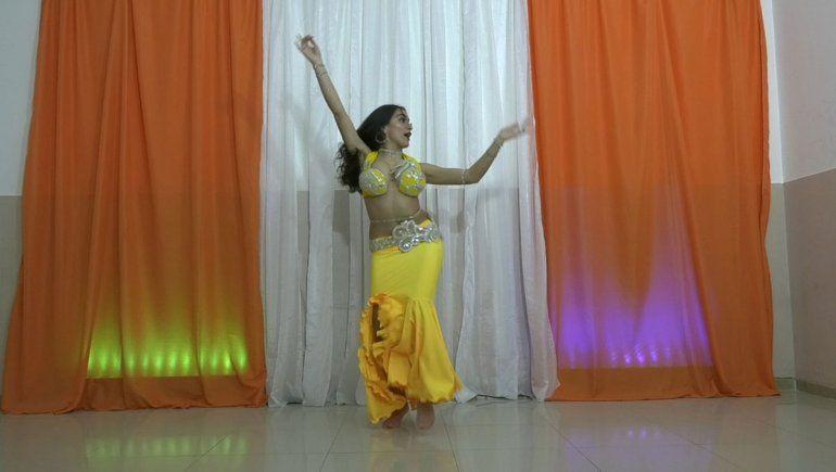 Abigail Cares: de Cutral Co al mundo gracias al belly dance