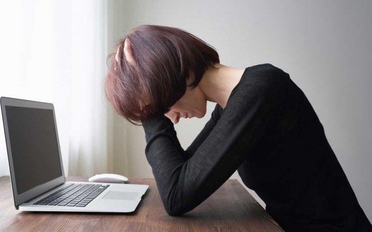 La OMS advierte que trabajar más de 55 horas semanales aumenta el riesgo de muerte