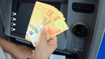 Los sueldos privados de la ciudad corren atrás de la inflación