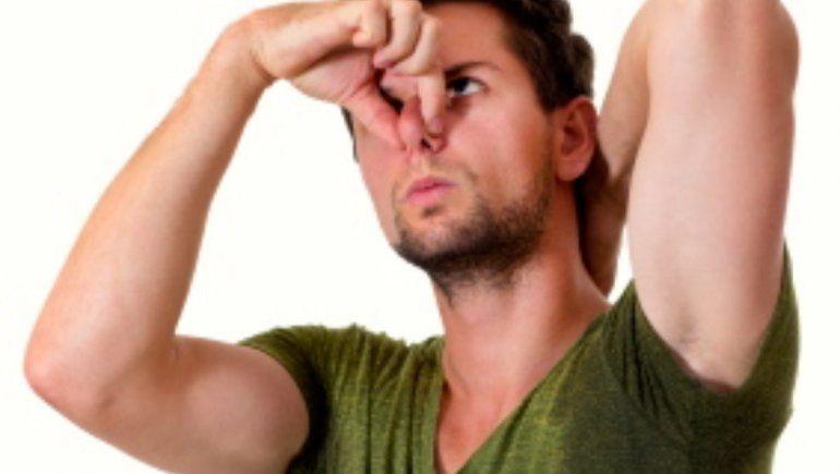 Científicos resuelven el misterio detrás del olor a transpiración