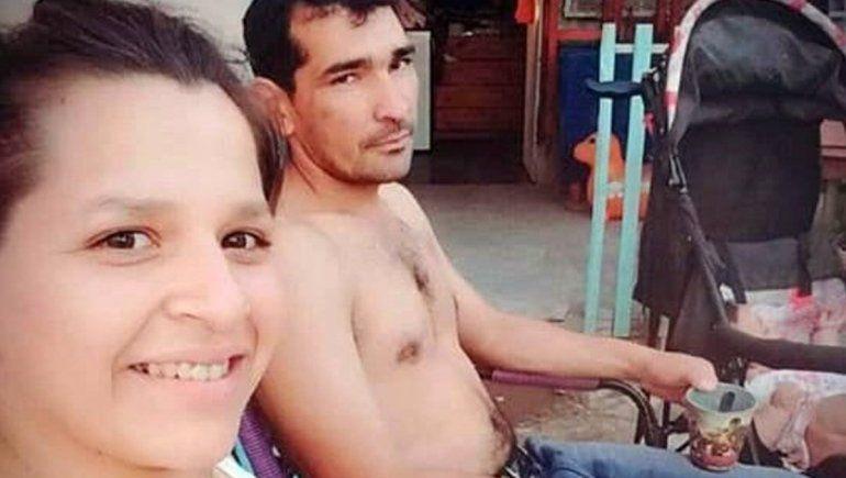 Le disparó cinco tiros a su pareja delante de sus hijos y se escapó