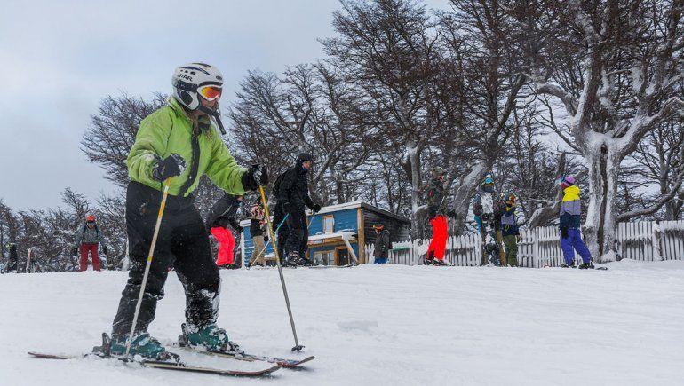 Ante un invierno sin nieve, Cerro Bayo planifica la próxima temporada