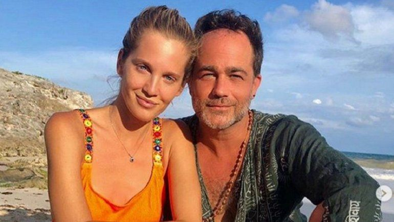 Liz Solari y Gastón Pauls acaramelados y juntos en Uruguay
