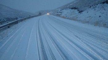 una por una: cuales son las rutas mas complicadas por el hielo y la nieve