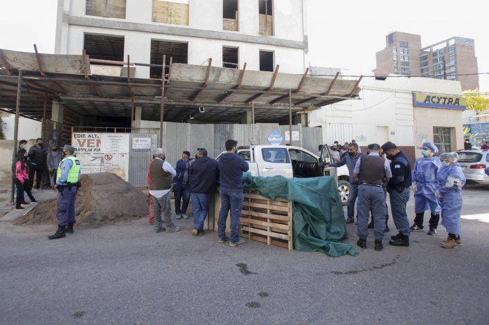 Un obrero murió al caer de una obra en construcción en el centro