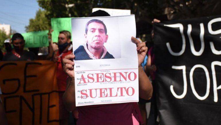 La familia de la víctima marchó para pedir justicia por el crimen en San Juan.