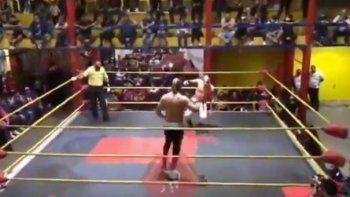 conmocion por la muerte de un luchador en mexico
