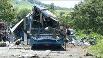 brasil: un choque frontal dejo al menos 40 muertos