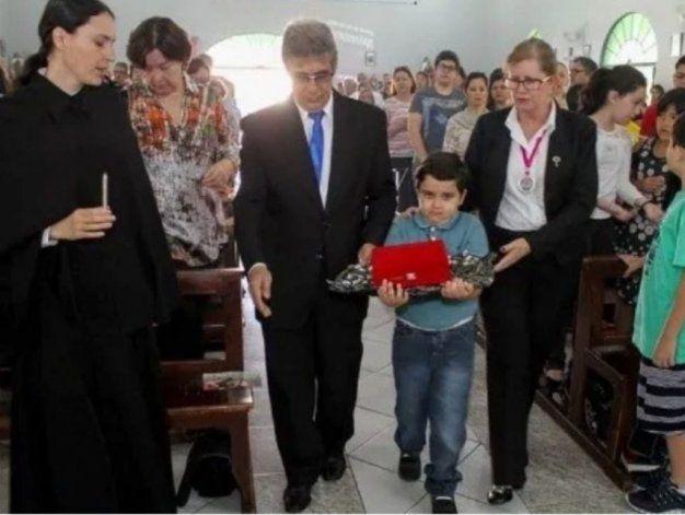 La recuperación inexplicable en 2013 de un niño brasileño fue el milagro comprobado por el Vaticano.