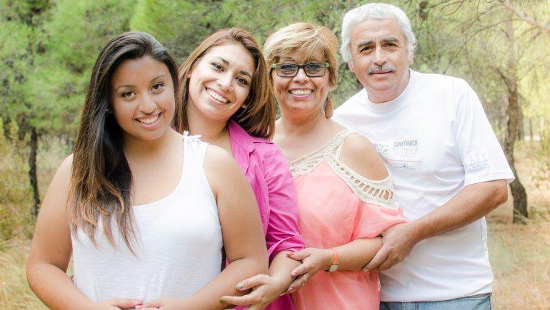 Quedó varada en Chile por el coronavirus y pide ayuda para reunirse con su familia.