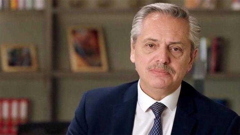Alberto defendió su estrategia antivirus y criticó a Macri