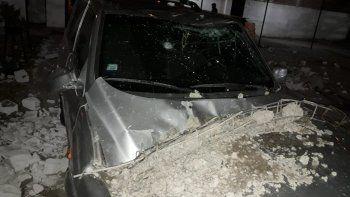 La camioneta de Pepe Canalles, destruida por los escombros.
