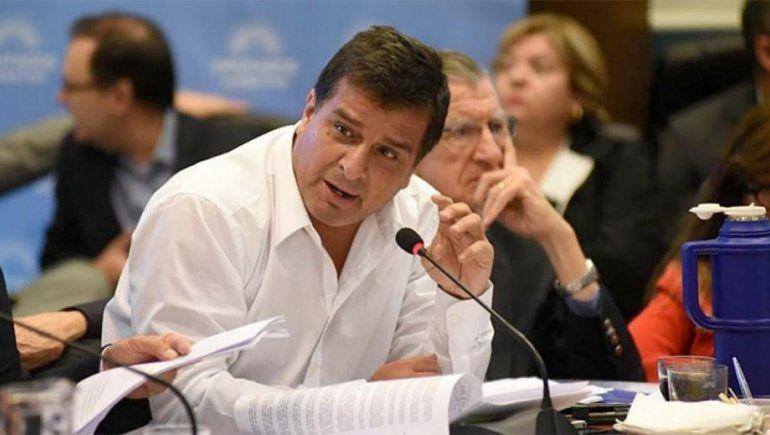 Un diputado oficialista propuso un aumento salarial por decreto