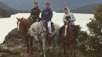 napoleon gallardo pasa su cumple en la patagonia y decide por aqui su futuro