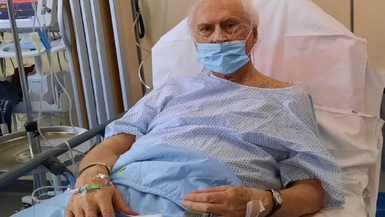 Pino Solanas se encuentra hospitalizado en Francia.