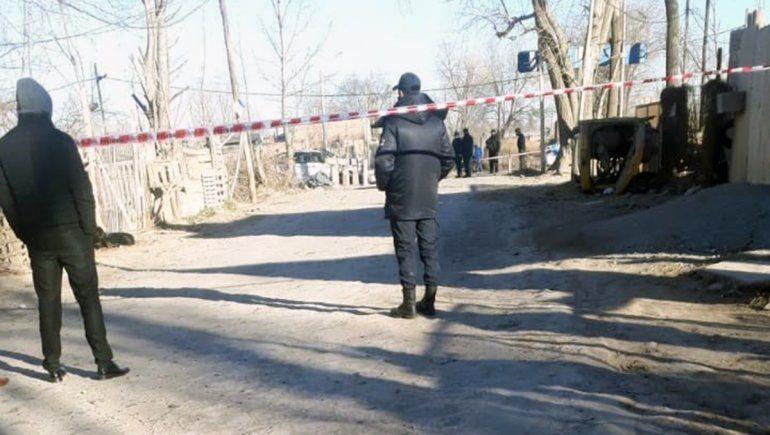 Tragedia en la toma 10 de Febrero: motociclista chocó contra un puente y murió