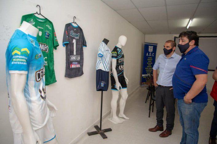 Centenario presentó su camiseta y ambicioso proyecto deportivo