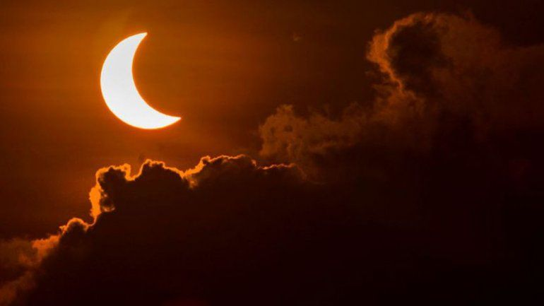 El eclipse solar dejará en penumbra a Neuquén.