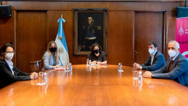 Vizzotti se reunió con Astrazeneca y pidió plazos de entrega de vacunas