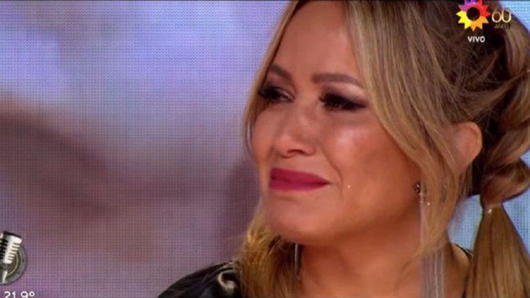 Cantando: Karina se quebró con el conmovedor homenaje por el Día de la Madre
