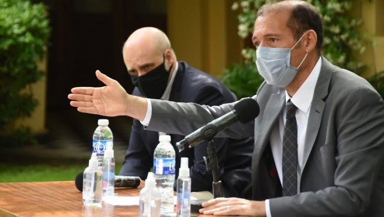 Gutiérrez anunció la ampliación de los permisos para vuelos en conferencia de prensa.