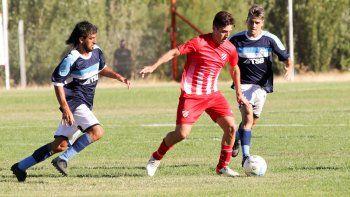 Cipolletti pretende a dos jugadores de Independiente