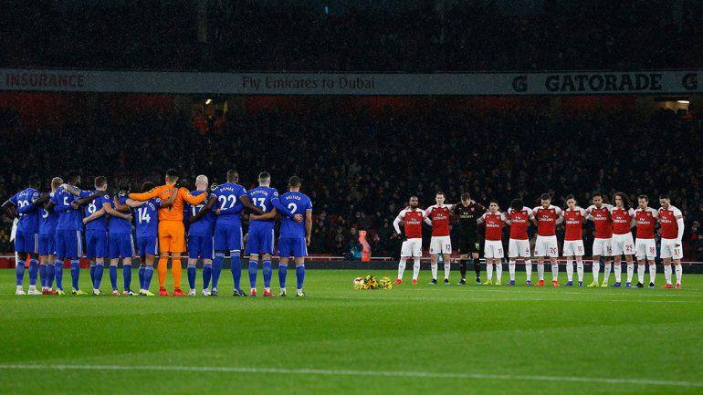 El emotivo homenaje a Emiliano Sala en el partido entre Arsenal y Cardiff