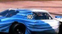 Traverso homenajeó a la patria pintando su Chevrolet con los colores de la bandera