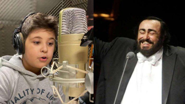 Viral: niño de siete años sorprende por su gran voz al cantar ópera.