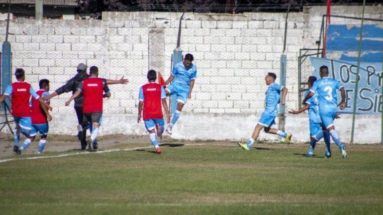 El festejo de todo Alianza por el gol del 1 a 0 parcial. Luego fue 1 a 1 (gentileza de Facundo Pardo)