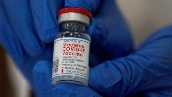 por anomalias, japon suspendio el uso de mas de un millon de vacunas de moderna
