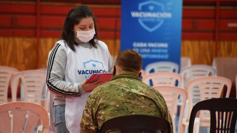 La vacunación a demanda permitió que Neuquén llegue al 30% de inmunizados.