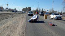 un coche funebre perdio el cuerpo en plena ruta 22