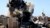 bombardeo israeli destruyo un edificio de medios de prensa internacionales