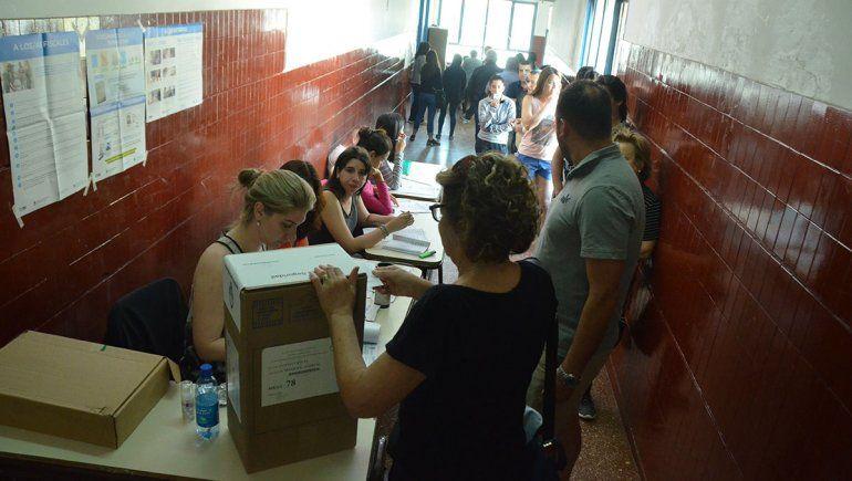 Las filas para entrar a votar se organizarán afuera de las escuelas