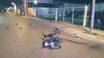 dos jovenes murieron en un accidente en moto en el bajo