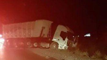 Tragedia en Villa Manzano: un joven murió tras chocar contra un camión