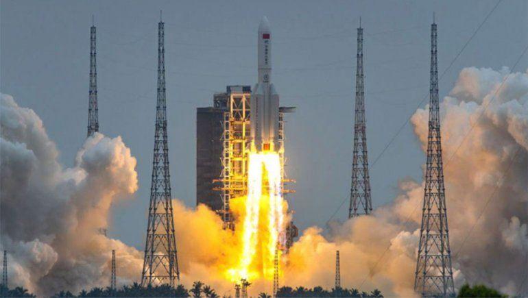 Seguí en vivo la trayectoria del cohete chino fuera de control que caerá a la Tierra