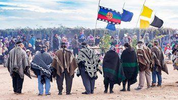 firman un convenio para iniciar el relevamiento territorial mapuche