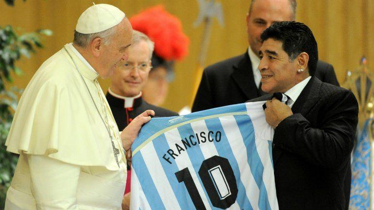 Maradona era un poeta en la cancha, pero un hombre muy frágil