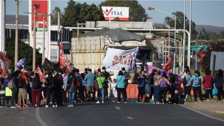 Jueves con tránsito complicado: los cortes en los puentes y en la provincia