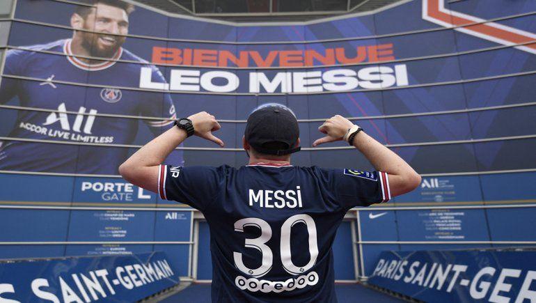 Los hinchas del PSG no podrán lucir la camiseta de Messi en su visita a Brest.