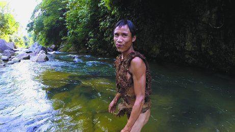 Un cáncer de hígado terminó con la vida de Ho Van Lang a los 52 años. Hasta el 2013 vivió oculto en la selva creyendo que la guerra continuaba.
