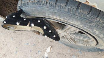 Insólito: pinchó una cubierta con el zapato de Cenicienta