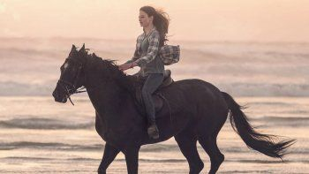 Mackenzie Foy será Jo Green en la peli exclusiva para Disney Plus