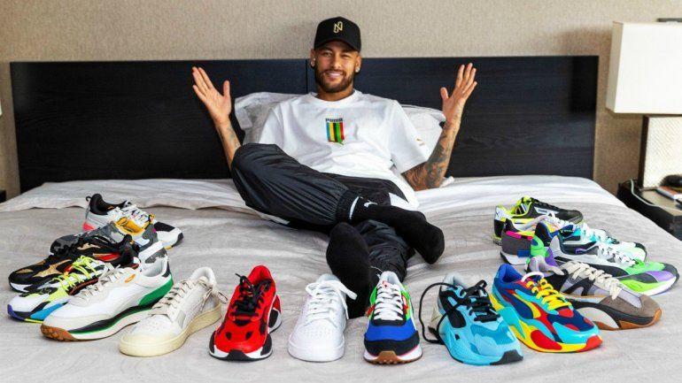 Neymar firmó el contrato más alto de la historia.
