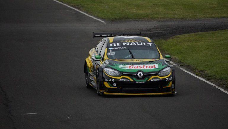 Leonel Pernía fue el poleman del Súper TC2000 en Paraná y Urcera terminó cuarto.