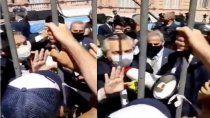 velatorio de maradona: el video de alberto fernandez tratando de calmar a la gente
