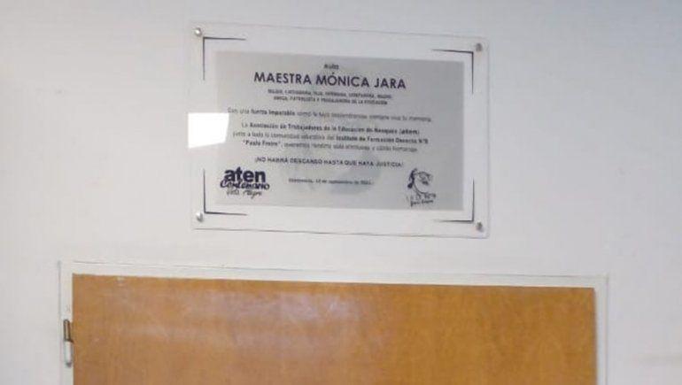 Un aula lleva el nombre de Mónica Jara, la docente fallecida en Aguada San Roque