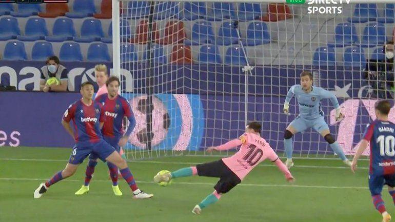 ¡Cierren todo! El golazo de tijera de Messi en un insuficiente empate